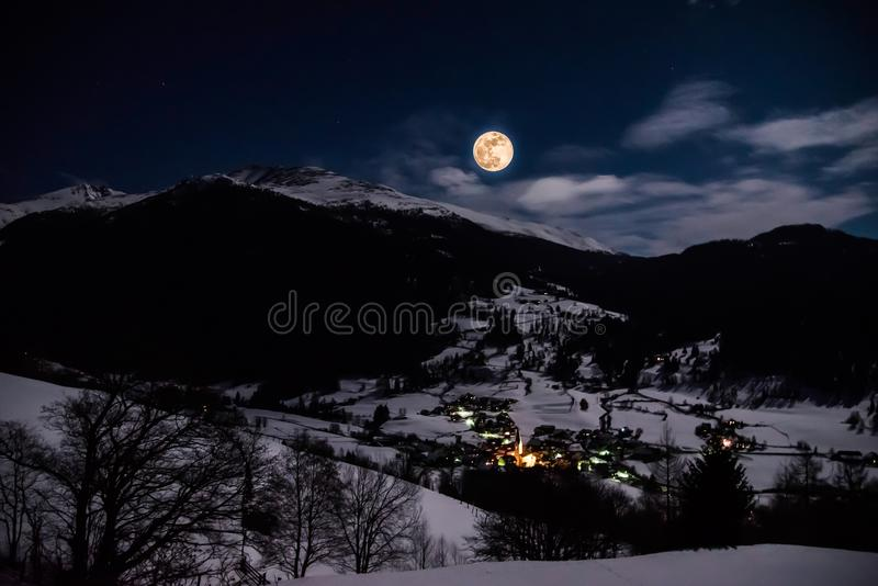 超级月亮在Lessach 库存图片