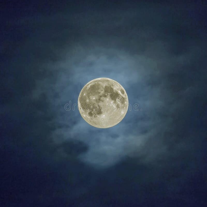 超级月亮 免版税库存图片