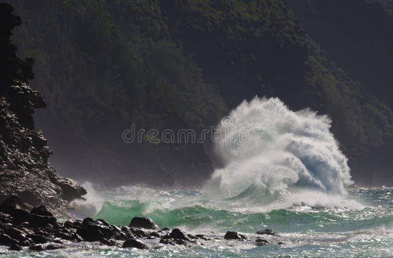 超级波浪,考艾岛,夏威夷 免版税图库摄影
