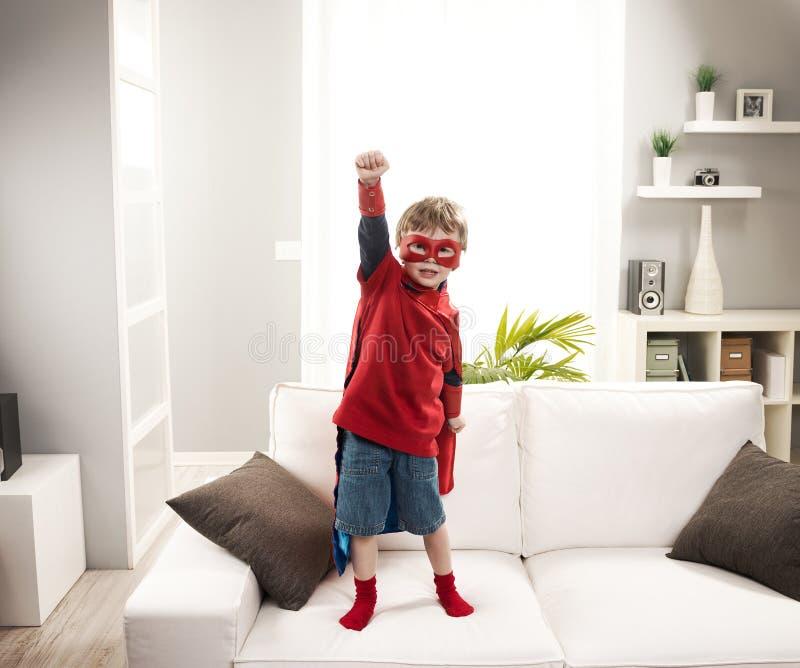 超级英雄男孩 免版税库存图片