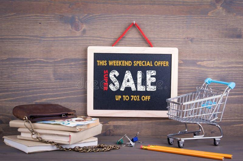 超级销售,这个周末特价优待 免版税图库摄影