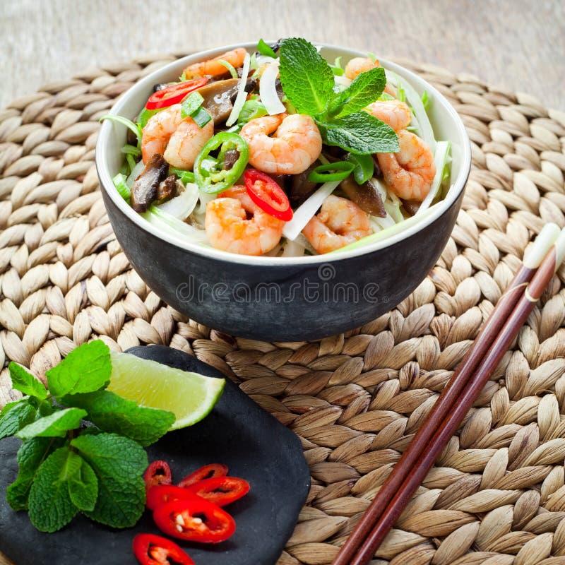 越南虾,大虾,辣椒椎茸米线 库存图片