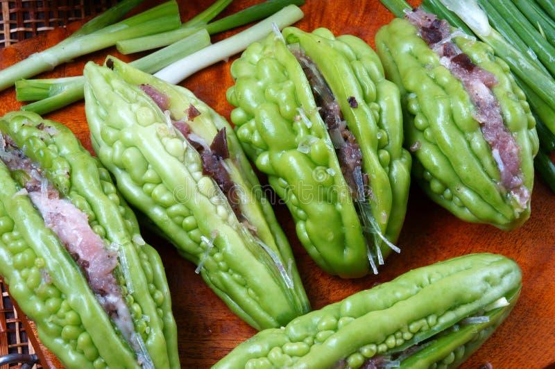 越南食物,苦涩瓜,绞肉 免版税库存图片