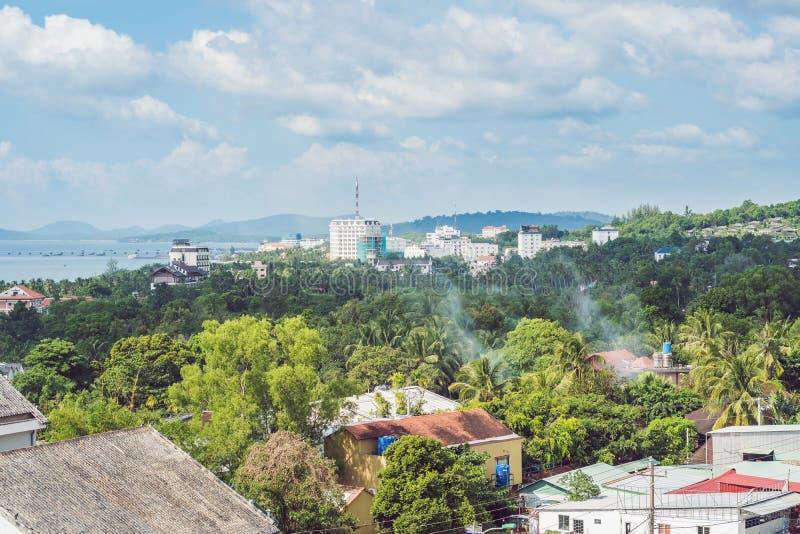 越南, Phu Quoc海岛,海岛市的资本的看法Duong东 免版税图库摄影