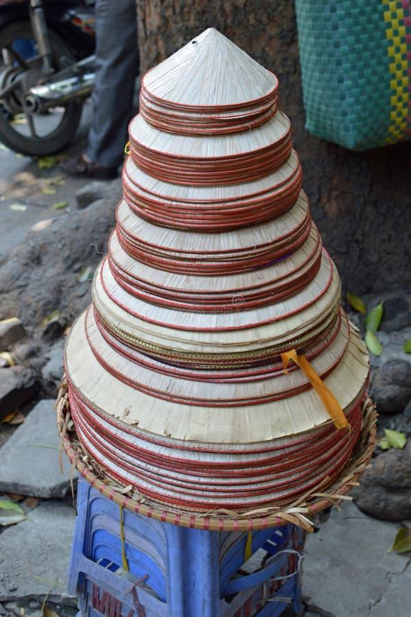 越南-河内-圆锥形帽子待售 免版税库存照片
