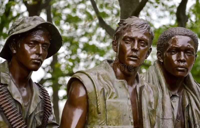 越战纪念碑三位战士 免版税库存照片