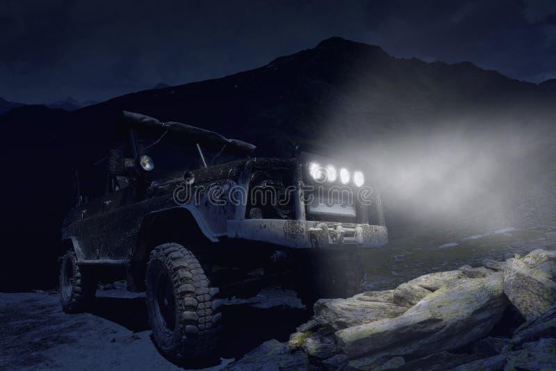 越野SUV夜照片 免版税库存图片