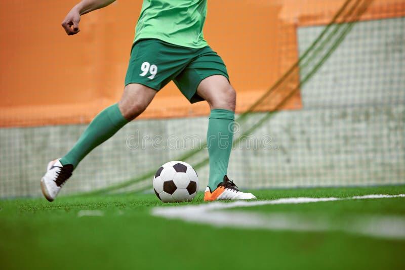 足球足球运动员的Thq腿 库存图片