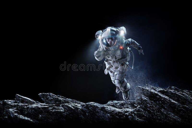 跑快速的混合画法的太空人 库存例证