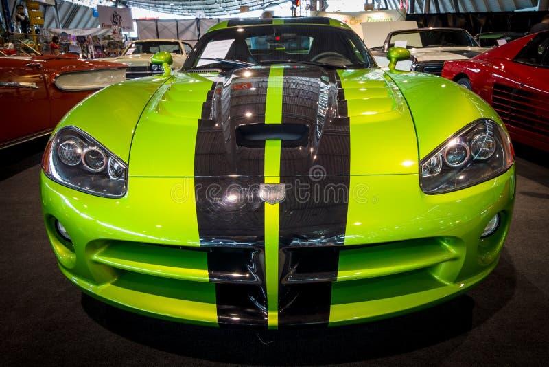 跑车推托蛇蝎SRT-10小轿车, 2010年 图库摄影