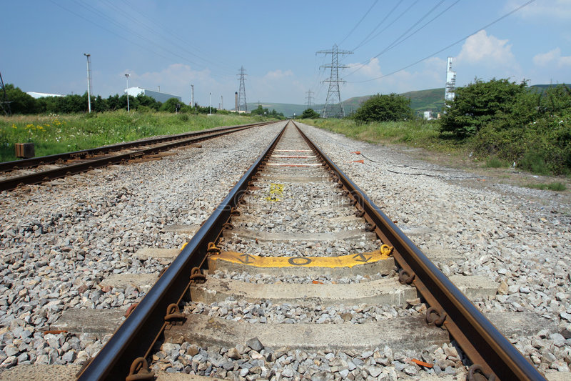 Download 跟踪 库存图片. 图片 包括有 铁锈, 展望期, 跟踪, 已分解, 运输路线, 金属, 铁路运输, 横穿, 距离 - 178303