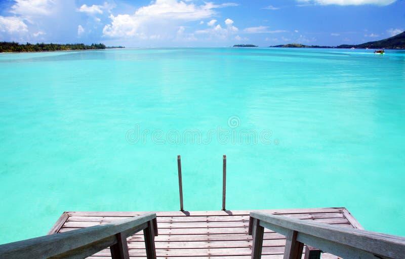 跨步入天堂在博拉博拉岛 免版税库存图片