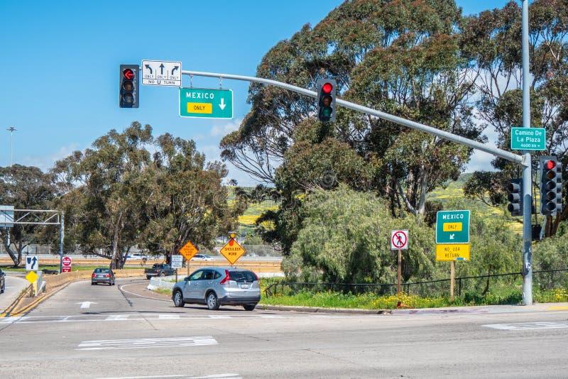 路向圣伊西德罗-加利福尼亚的,美国墨西哥- 2019年3月18日 库存照片