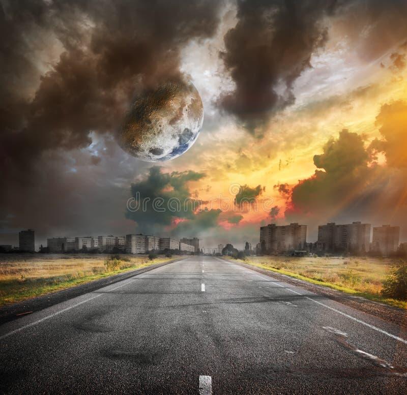 路和月亮 库存照片