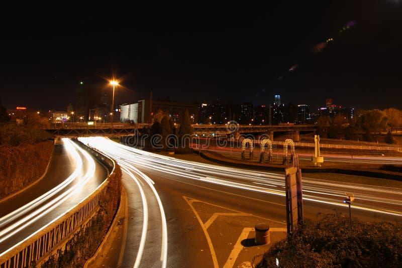路在夜 免版税库存照片