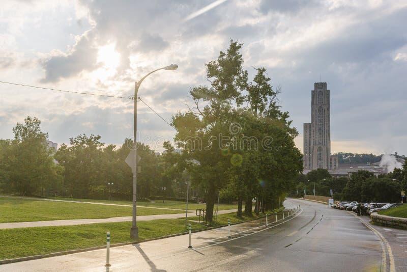 路在有大教堂的匹兹堡学会 库存图片