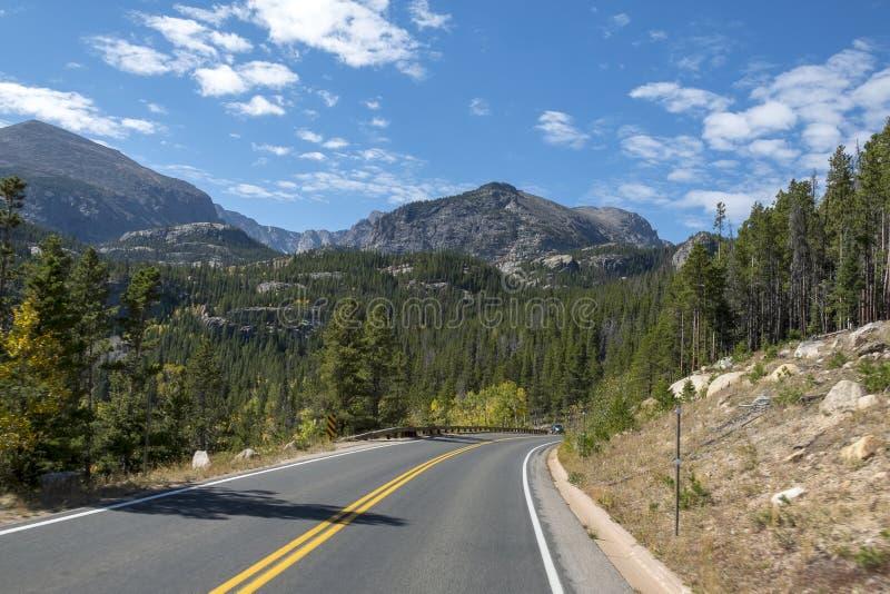 路在洛矶山国家公园,美国 免版税图库摄影