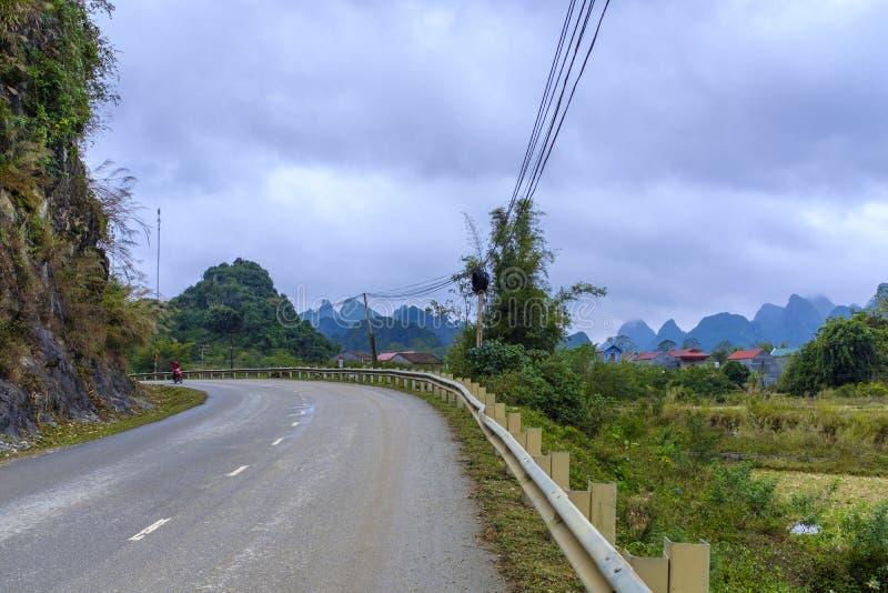 路在越南乡下 免版税库存照片