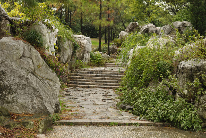 路径台阶石头 免版税库存图片