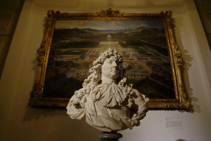 路易十四和绘画-小的Trianon凡尔赛,法国胸象-射击2015年8月 免版税库存照片