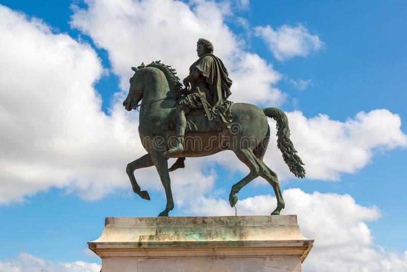 路易十四雕象在利昂,法国 免版税库存图片