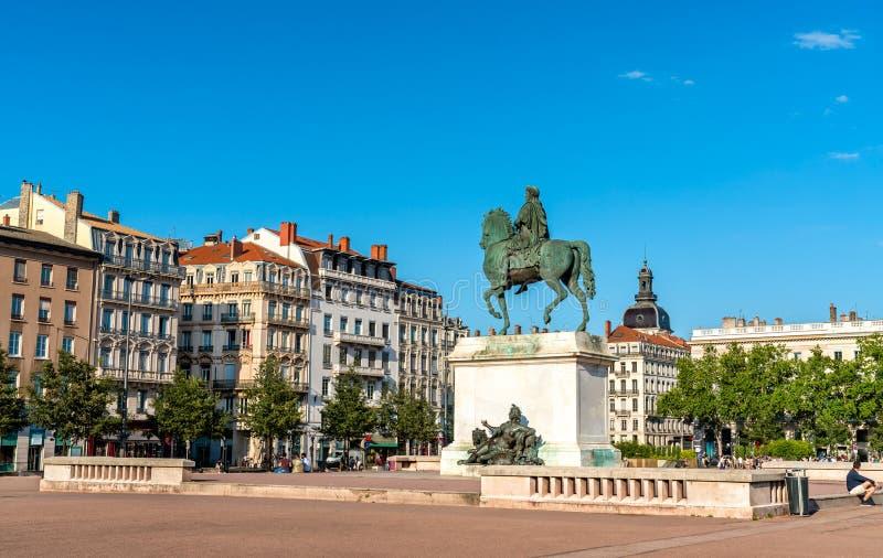 路易十四骑马雕象地方的Bellecour在利昂,法国 库存照片