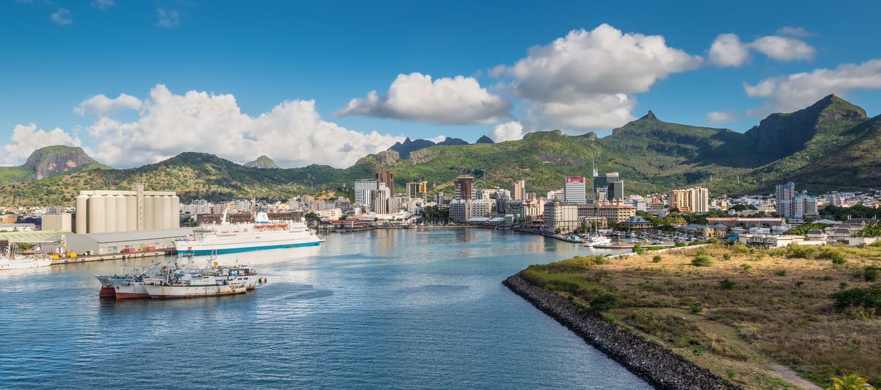 路易港毛里求斯海湾的全景  库存照片