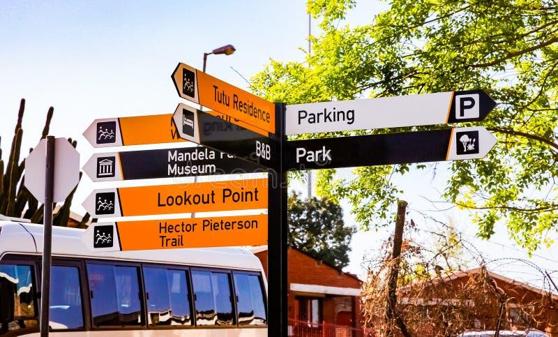 路标纳尔逊・曼德拉Vilakazi街的Sowe ` s房子外 免版税图库摄影