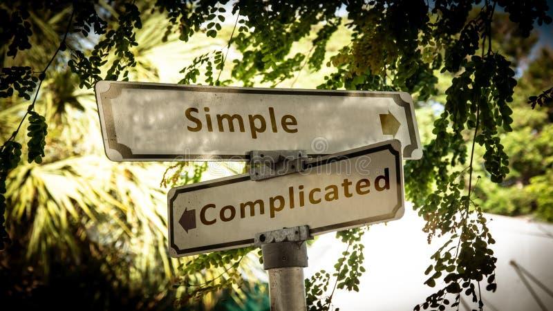 路牌简单对复杂化 库存图片