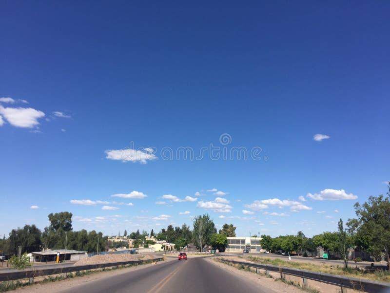 从路的天空 库存照片