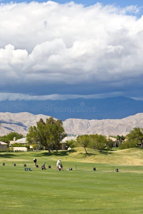 路线加利高尔夫球掌上型计算机球员春天 免版税库存照片