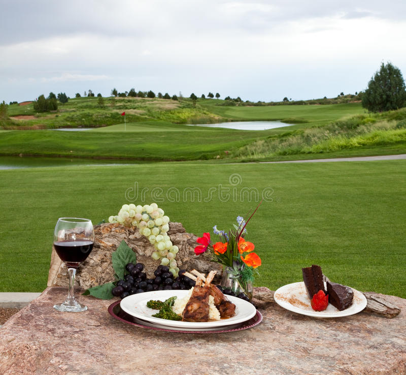 路线正餐高尔夫球 免版税图库摄影