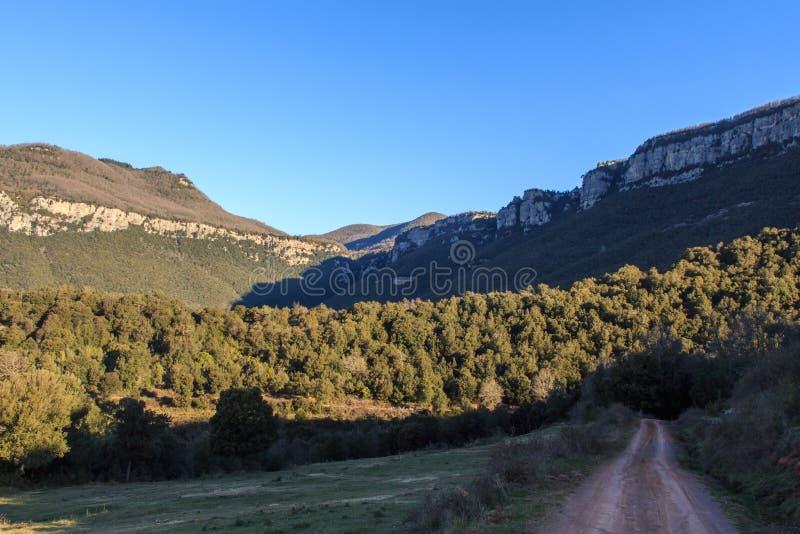 路线的轰烈的山由El的 库存照片