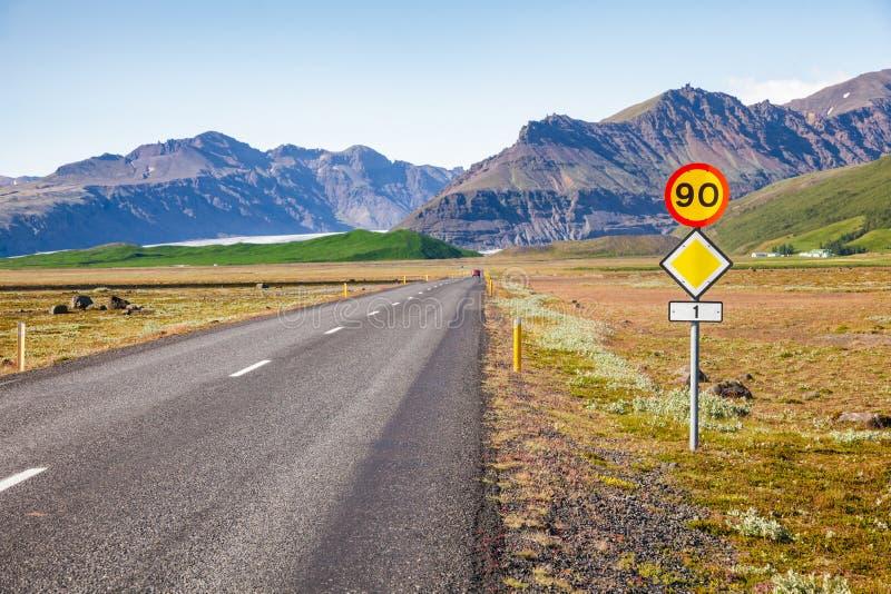 路线1环行路冰岛东部斯堪的那维亚 图库摄影