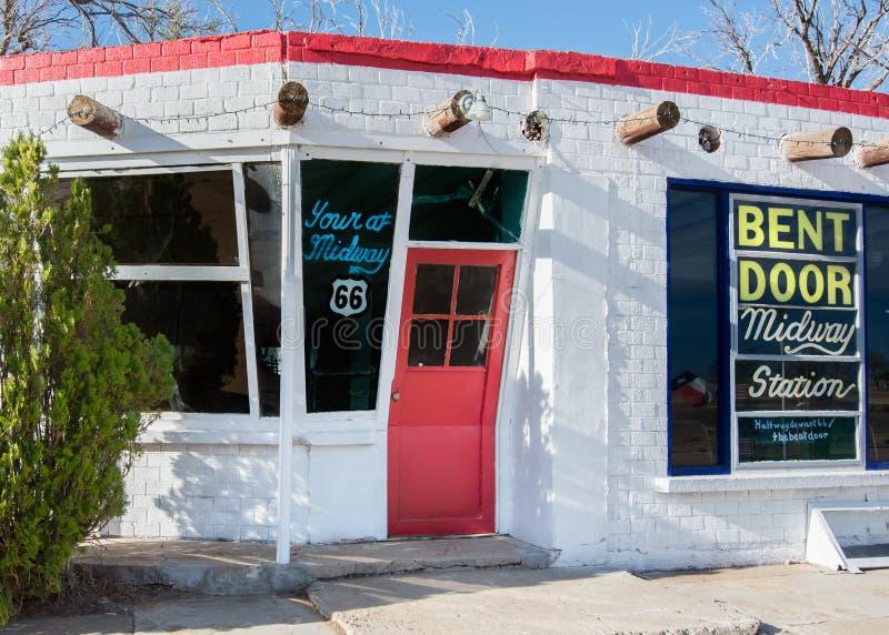路线66 :弯的门咖啡馆,艾德里安, TX 库存图片