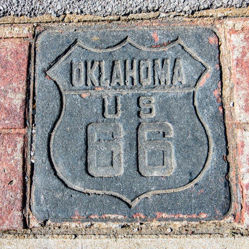 路线66 :美国66盾,土尔沙, OK 库存照片
