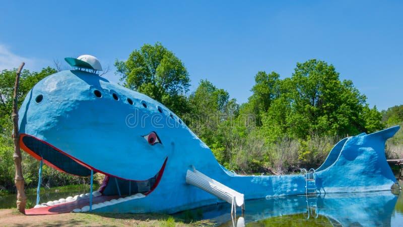 路线66 :蓝鲸, Catoosa, OK 免版税库存照片