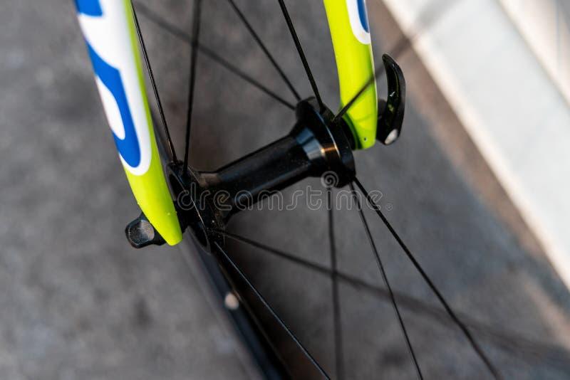 路自行车前轮插孔 免版税图库摄影