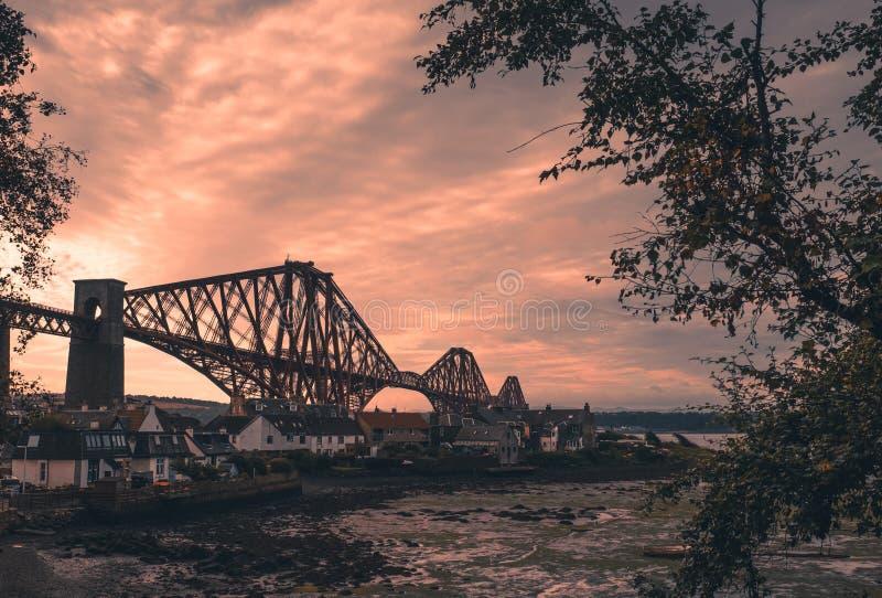 路轨桥梁在爱丁堡 免版税库存照片