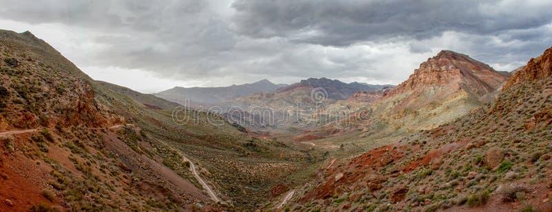 路通过泰塔斯峡谷 库存照片