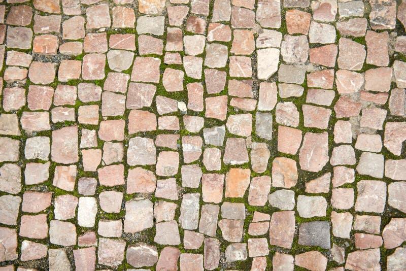 路铺了与石头 免版税库存图片