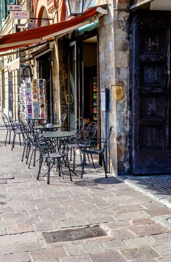 路面咖啡馆在意大利 免版税库存照片