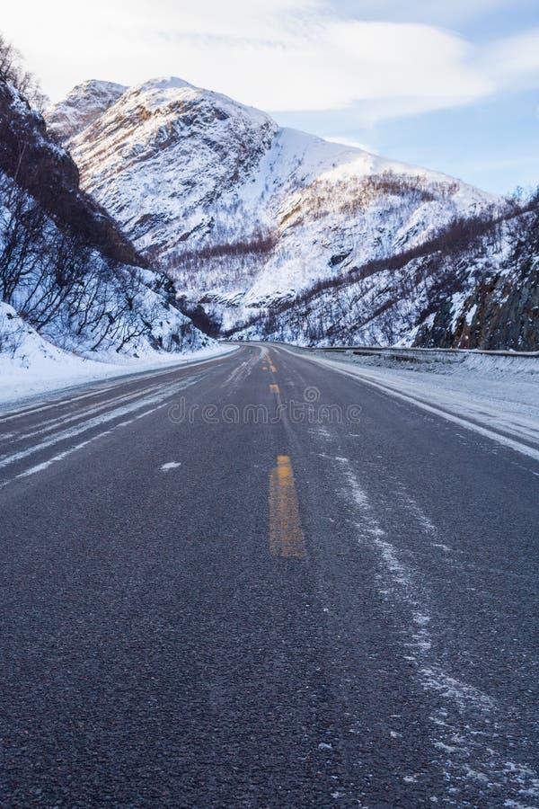 冻路,挪威 免版税库存照片