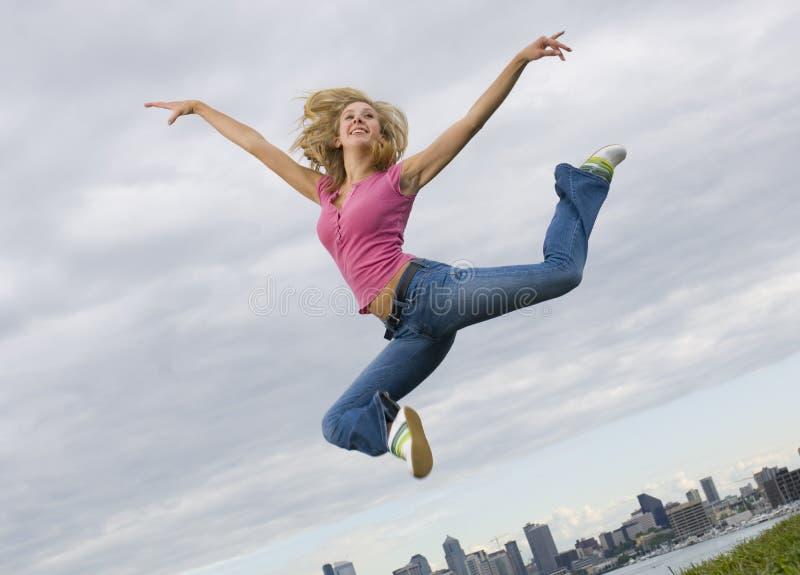 跳接器妇女年轻人 免版税图库摄影