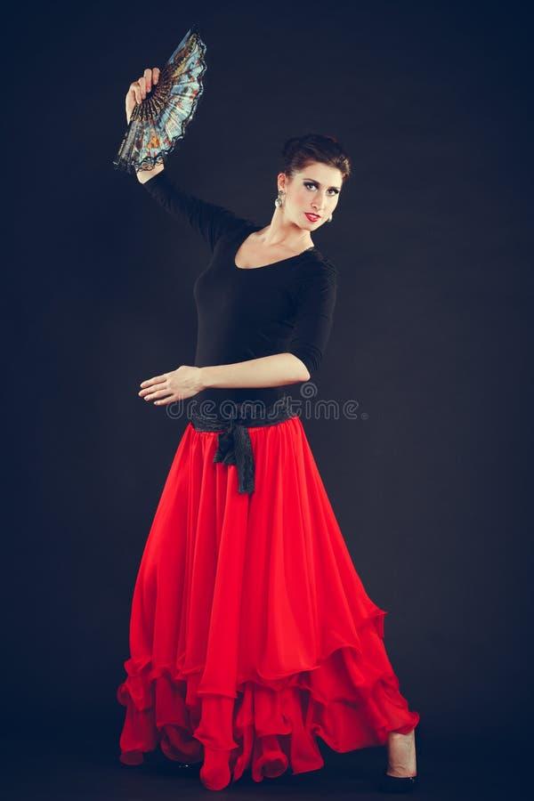 跳舞东方舞蹈的美丽的妇女 库存照片