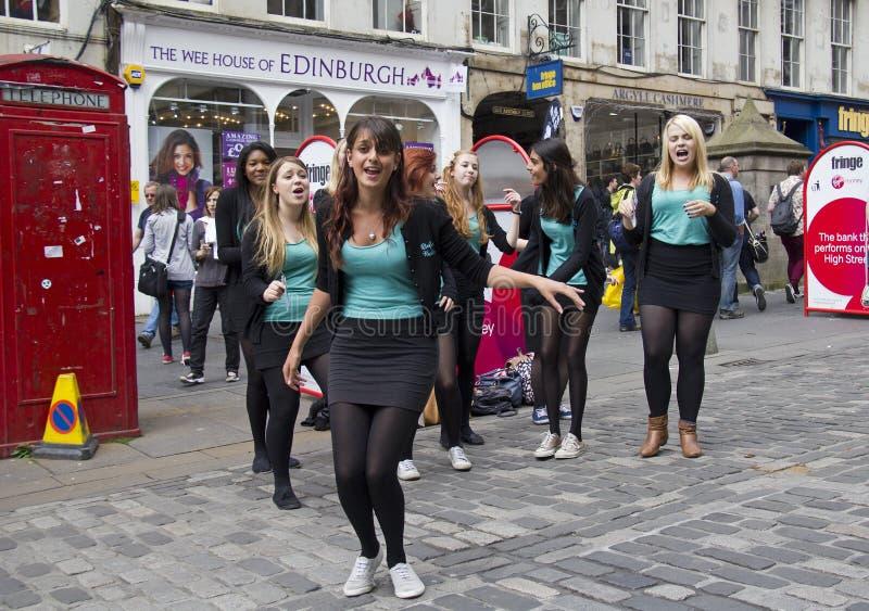 跳舞在街道 免版税图库摄影