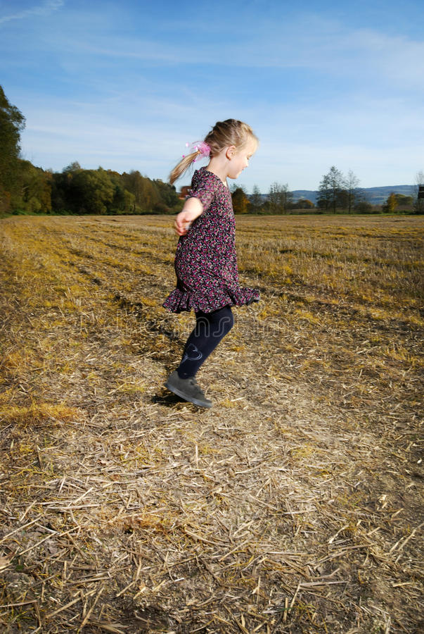 跳舞女孩一点 免版税库存图片