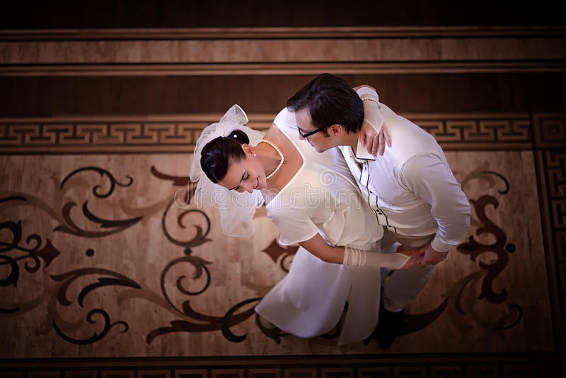 跳舞婚礼夫妇 免版税库存图片