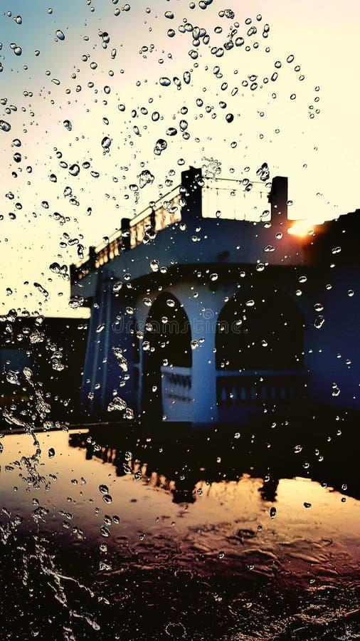 跳舞对太阳的水 库存照片