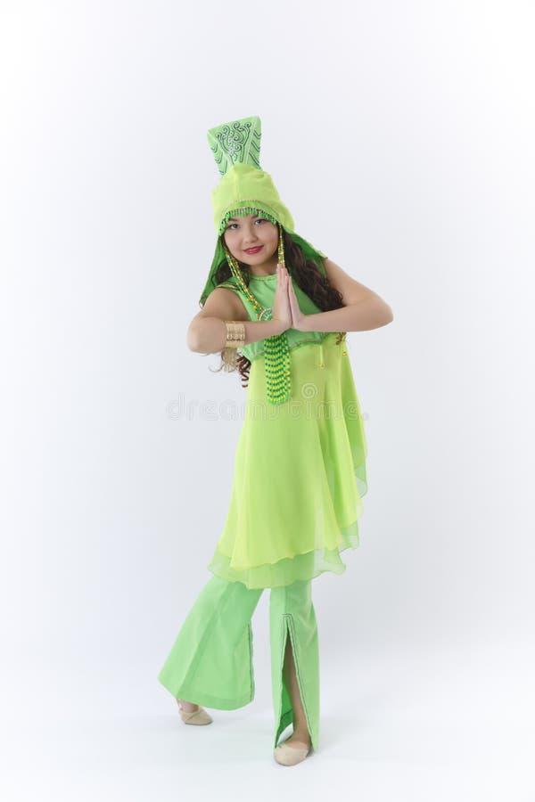 跳舞民间舞的女孩 库存照片